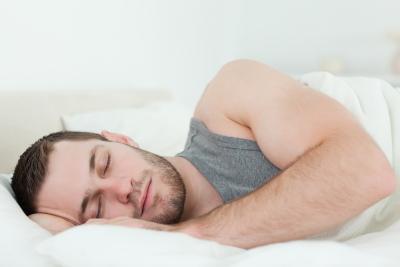 Fases sueño_hombre durmiendo