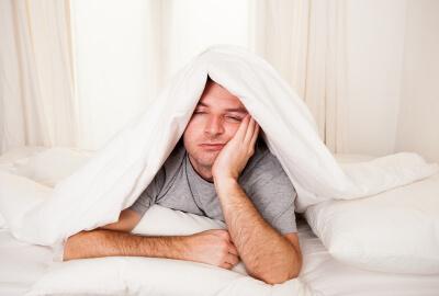 No puedo dormir_hombre insomnio