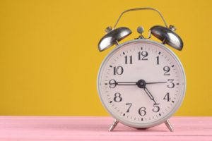 Echarse siesta reloj